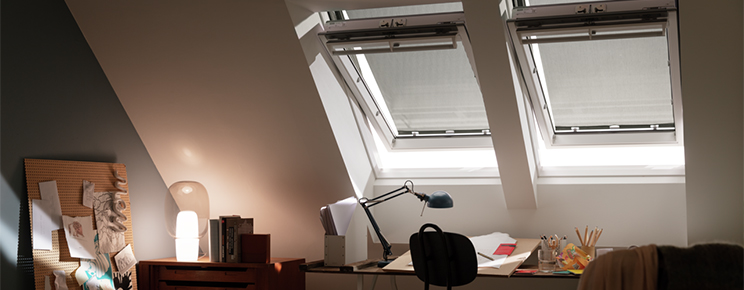 Roof window blinds for VELUX windows