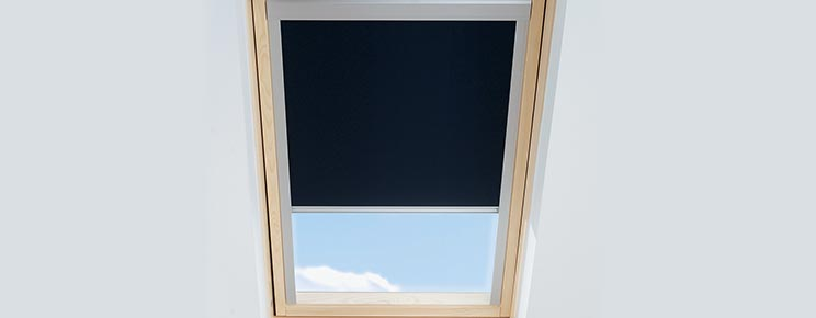 Roof window with Blind